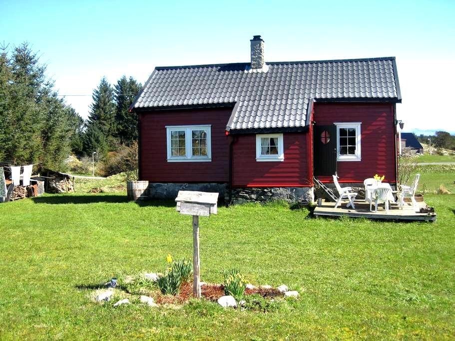 Charming cottage 1 h outside Bergen - Radøy - Ξυλόσπιτο