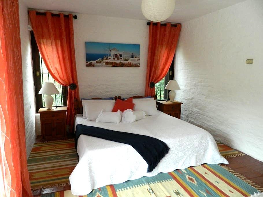 Bed & Breakfast Casa Flipper (1) - Playa Mansa - Bed & Breakfast