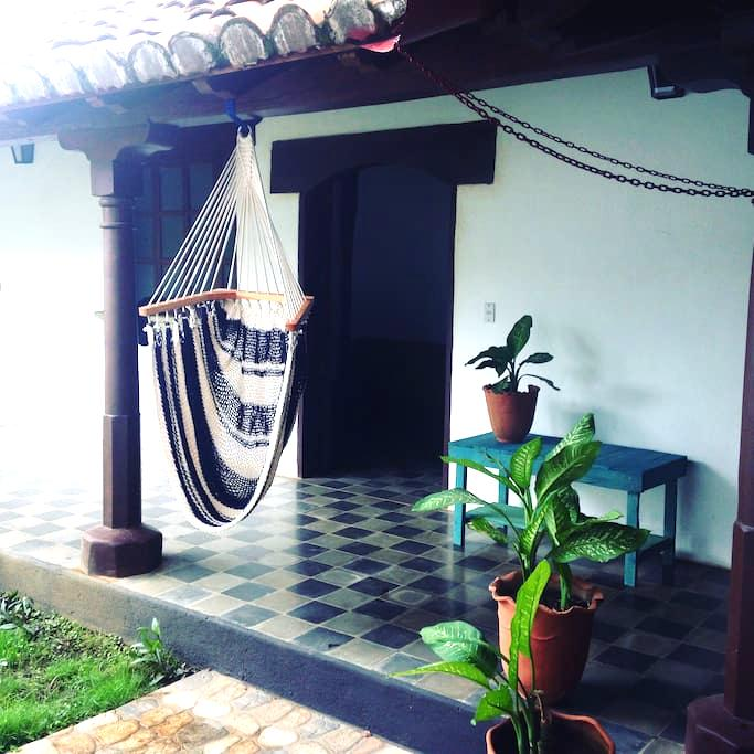 Lovely apartment in a colonial house - León - อพาร์ทเมนท์