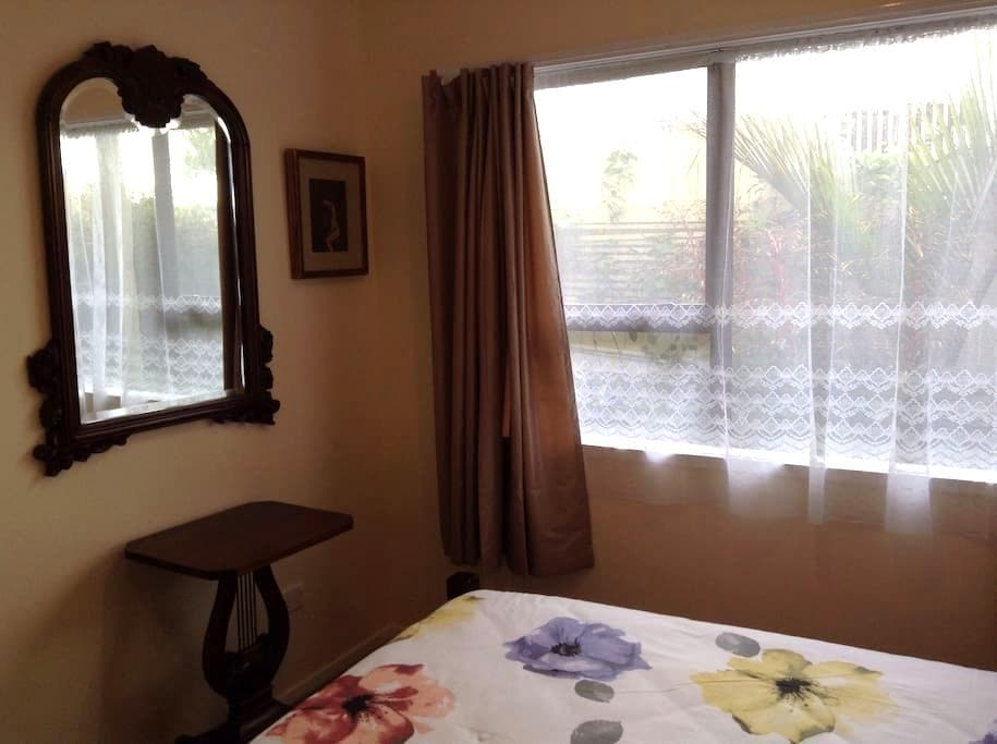 Self contained downstairs apartment - Whangaparaoa - Daire