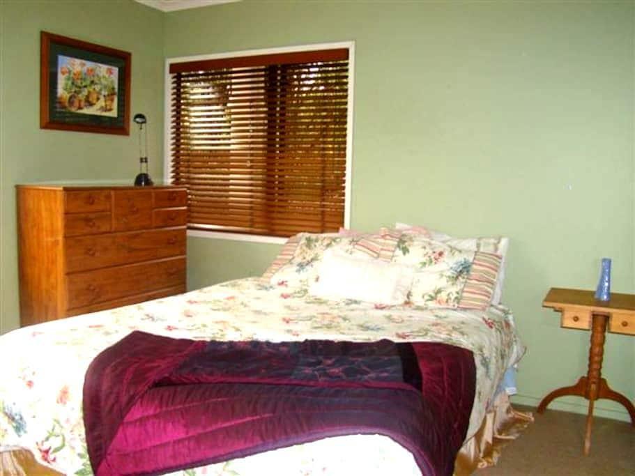 Herald Island Auckland dble bedroom - Herald Island - Casa