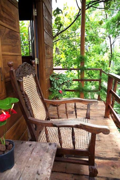 The Tree House - Mirissa - Bed & Breakfast