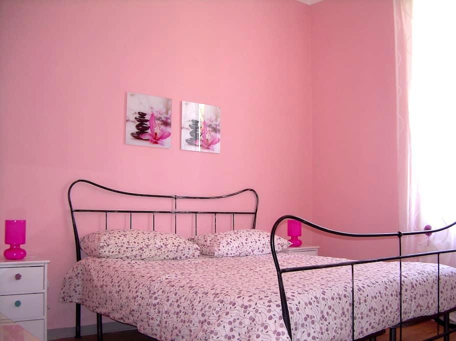 Arma di Taggia beautiful sunny home - Taggia - Apartemen
