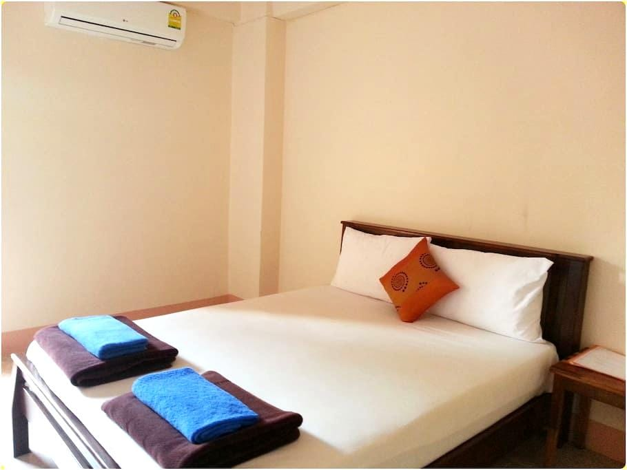 BanPunmanus*bed/private bath & wifi3 - Tambon Pak Nam
