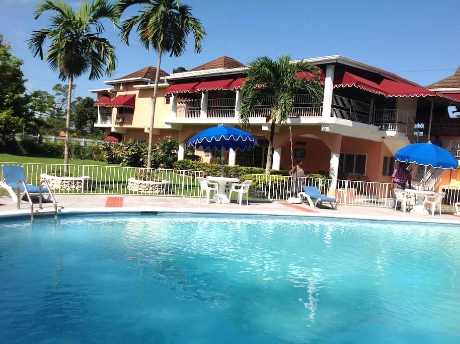 Silver Creek Resort - Runaway Bay