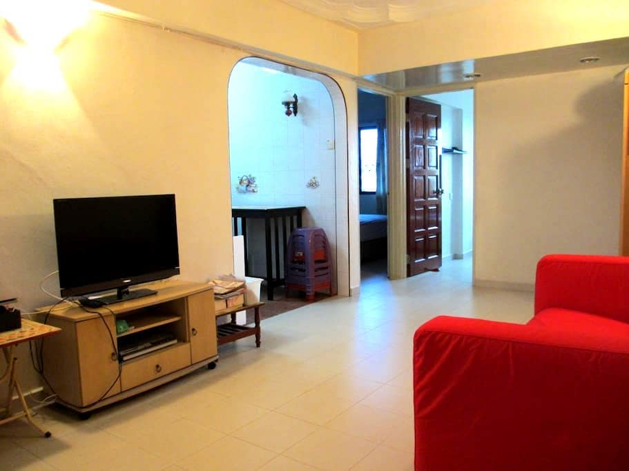 2 Bedroom Comfortable Apartment - Gelugor - Wohnung