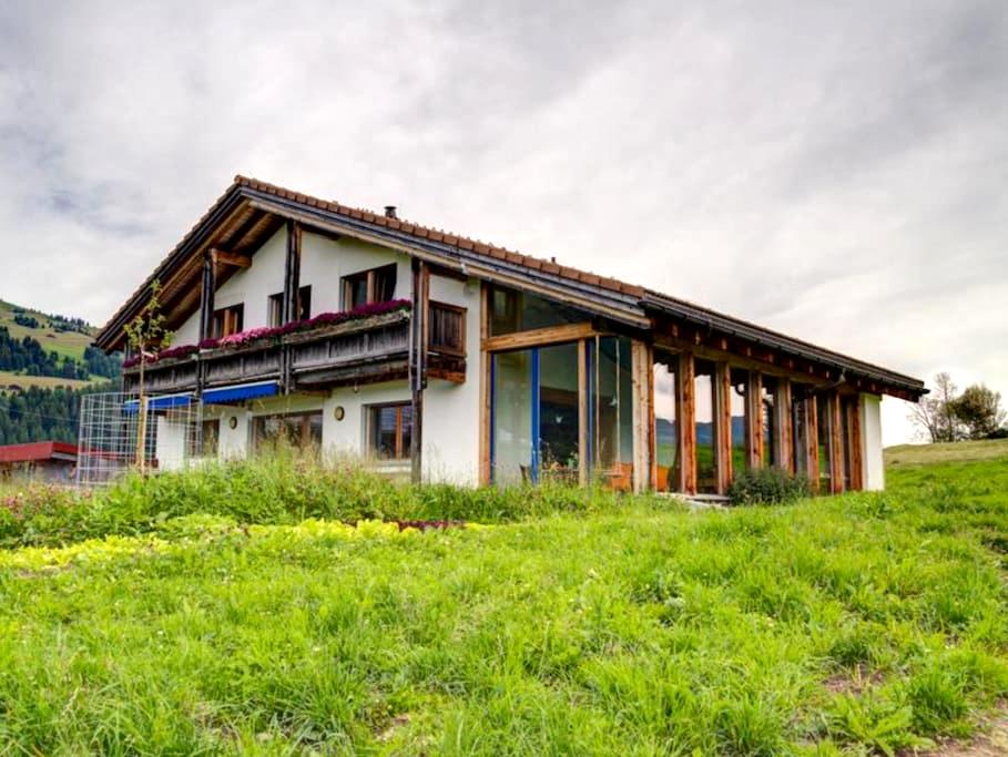 Schöne Ferienwohnung auf Bauernhof - Breil-Brigels - Appartement