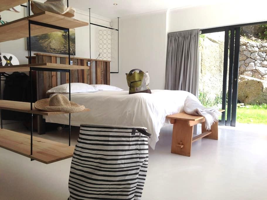 Modern Contemporary Llandudno Beach Pad - Kaapstad - Appartement