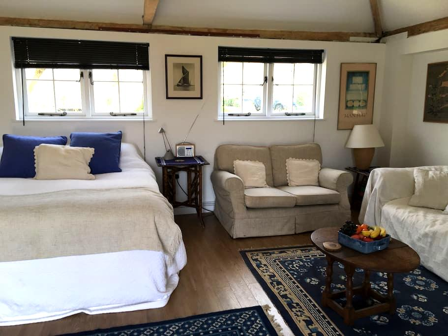 Private comfortable retreat - Stradbroke - Bed & Breakfast