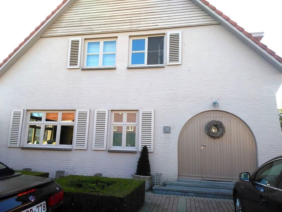 Landhuis met Italiaanse Allures - Bree - Villa