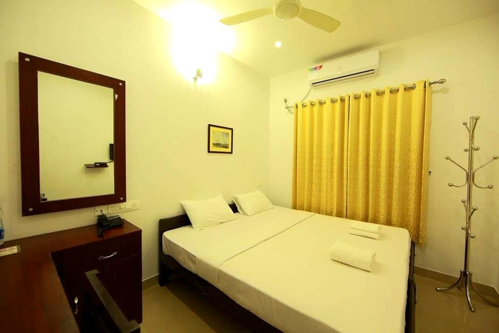 Standard A/C Room near Cochin Airport - Angamaly - Bed & Breakfast