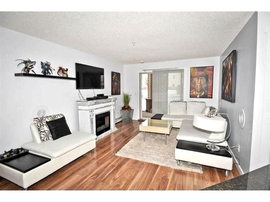 Nice condo close to the Airport - Calgary - Daire