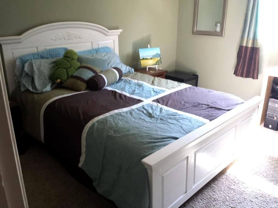 Disney, the Beach, and Many Home Comforts - Seal Beach - Wohnung