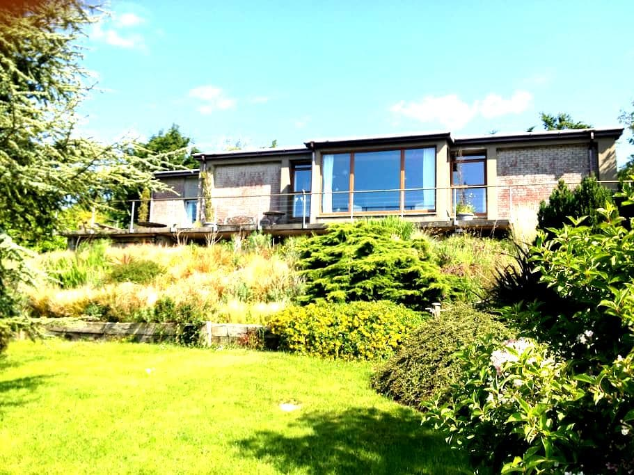 70's designed openplan with stunning coastal views - Gorey - Rumah