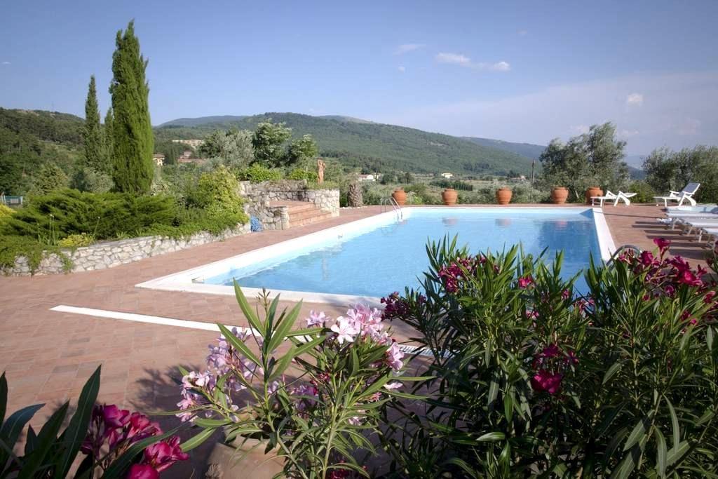 Bed and Breakfast Serena, Camera Acquario - Prato - 家庭式旅館