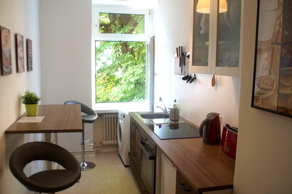 Ground floor - 23 m² room in a cozy flat, Berlin - Berlin - Apartment