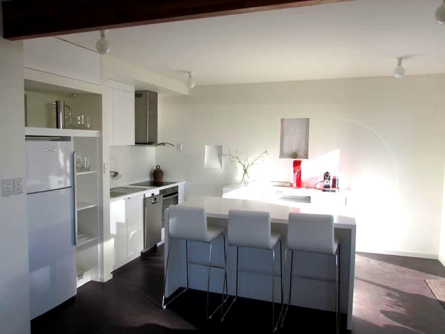 Livista - West Hobart - Apartment