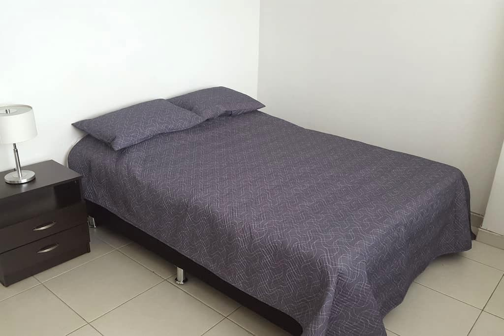 two beautiful and comfortable rooms fully furnishe - Medellín - Condominium