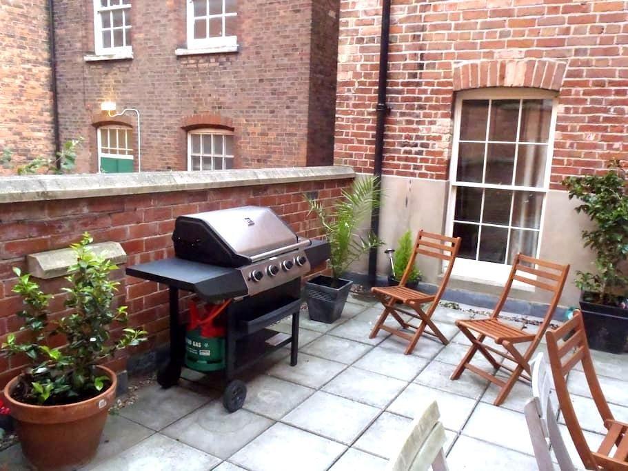 City Lace Market Apt + Terrace - Nottingham - Apartament