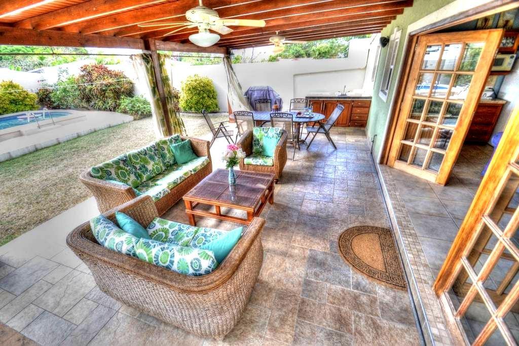 Private Poolside Cottage - Oistins