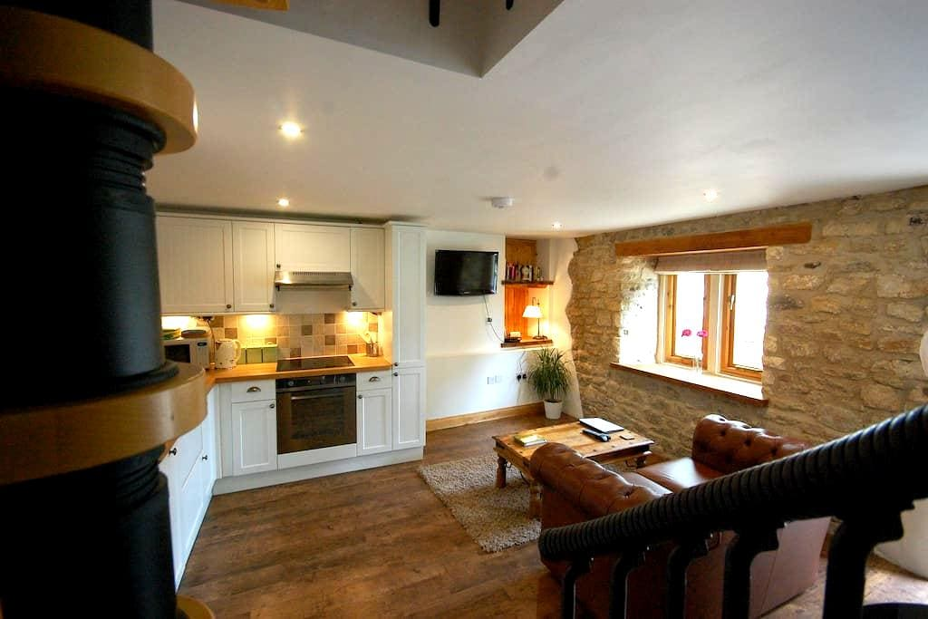 Romantic holiday cottage, Bath - Batheaston - Casa