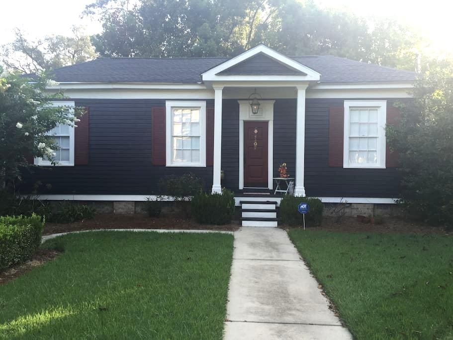 Cozy Cottage Home in Historic Thomasville - Thomasville