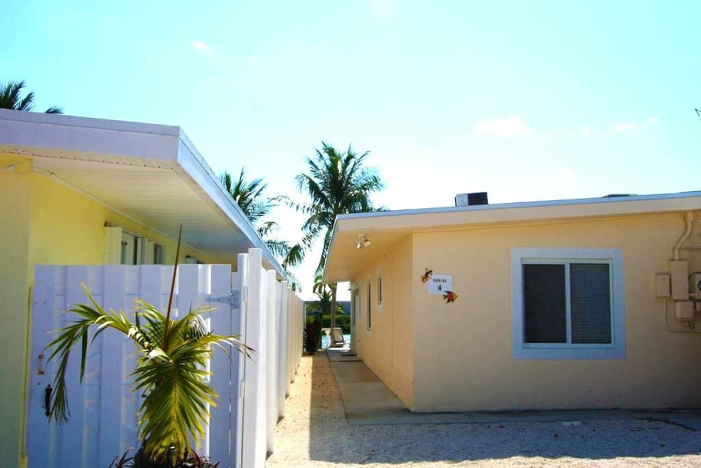 4 7th st KCB~ Casa De Calma - Key Colony Beach