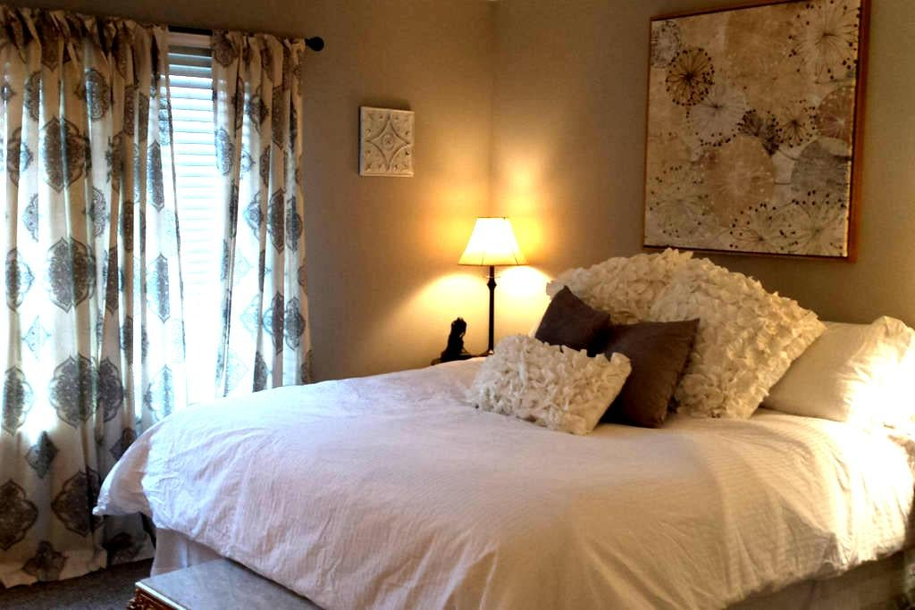 The Grey Lady- Apt in Frankfort Ky - Frankfort