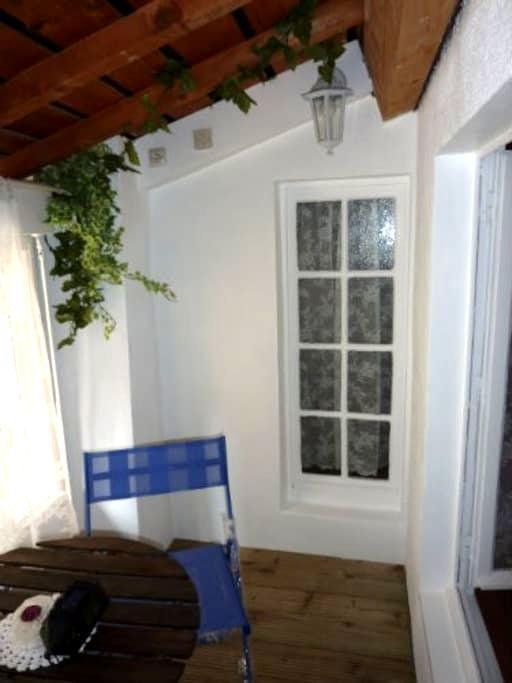 jolie maison  à 27km de la mer - Puisserguier - Casa