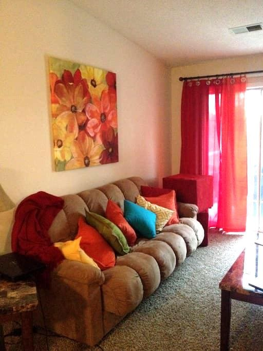 Fully furnished apartment - North Sioux City