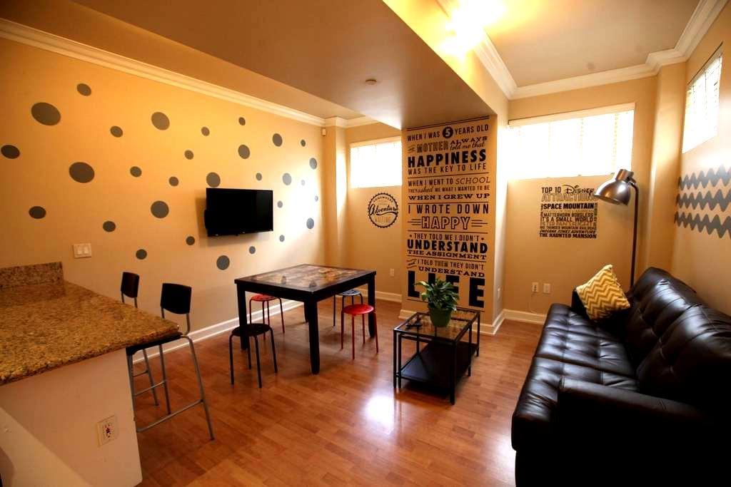 1 BD near Disnyland Historic Bldg - Anaheim - Apartamento