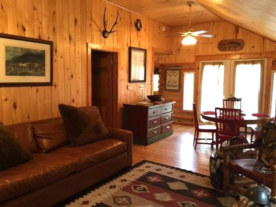 Rustic Cabin with 5 star amenities on Elk Creek! - Pine