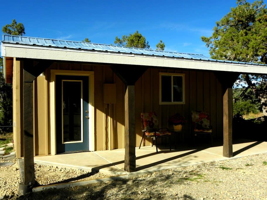 Cozy Cabin in Historic Mancos - Mancos - Stuga