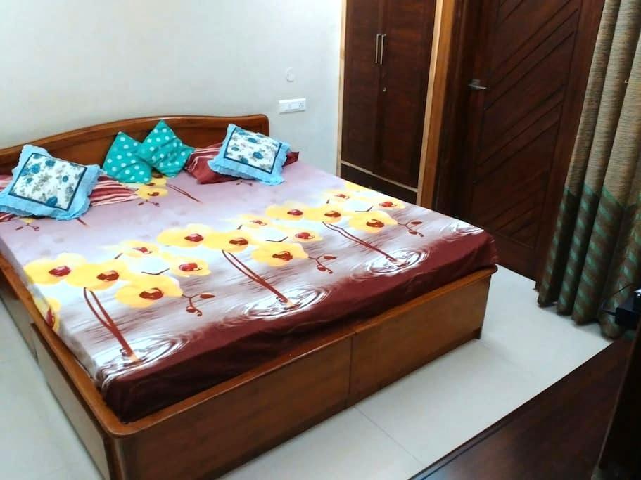 A pretty single room near Chandigar - Panchkula - Ház