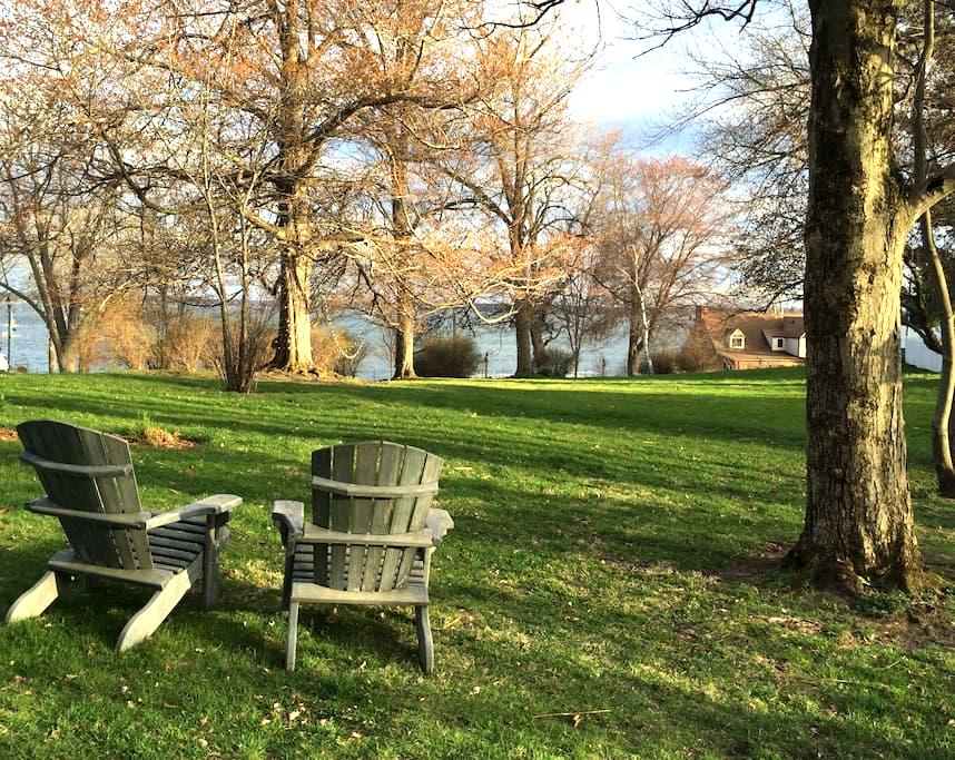 Charming 2BR cottage with lakeview - Culver - Maison