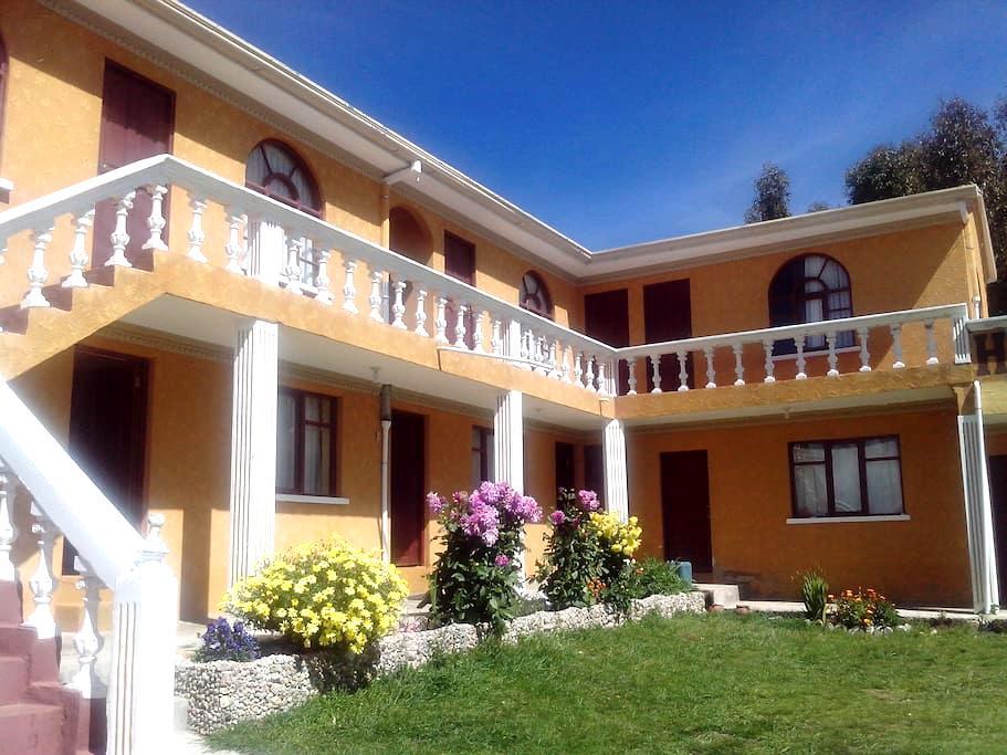 Hostal del Sol | Comunidad Yumani | Isla del Sol - Santa Cruz de la Sierra - Bed & Breakfast