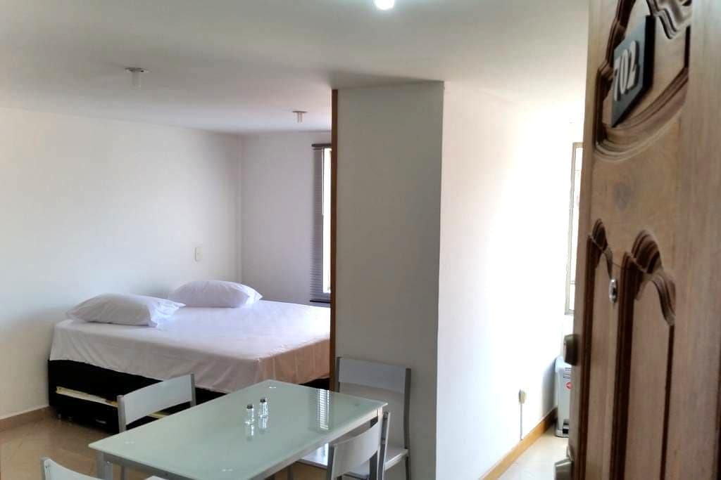 Cozy studio, at Laureles-Estadio. - Medellin - Apartament