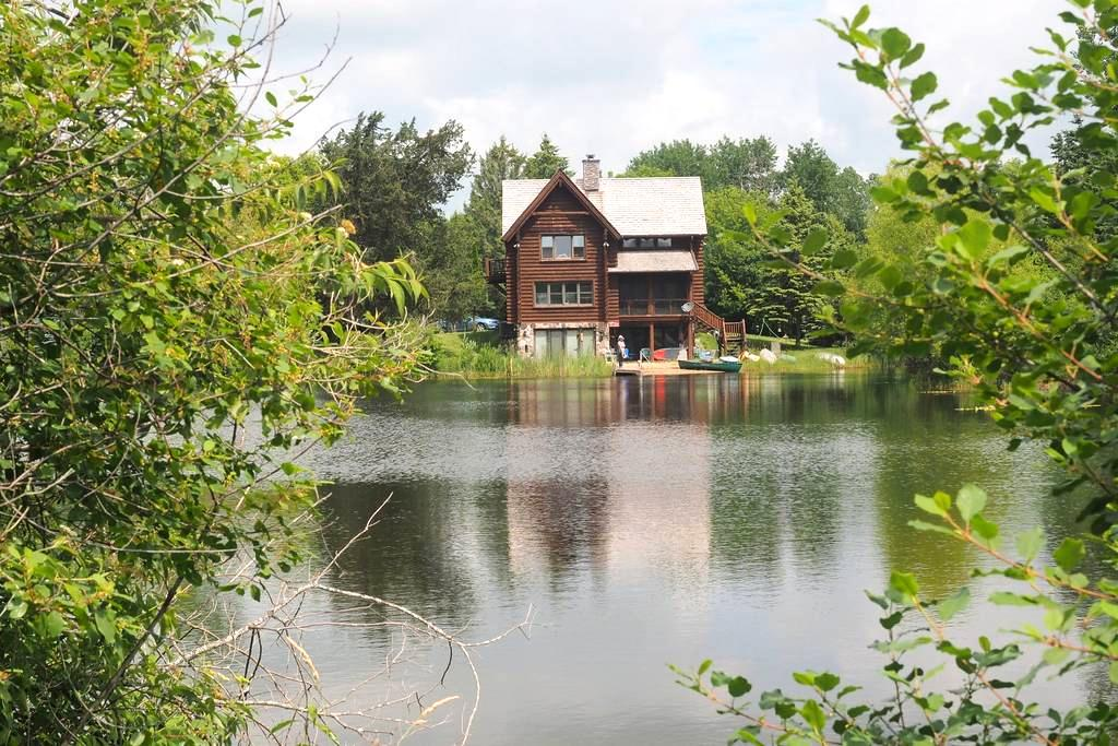 Private lake retreat! Only 30 min to 2017 US Open! - Oconomowoc