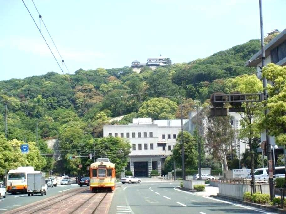 In the middle of City Matsuyama - 松山市 - 獨棟