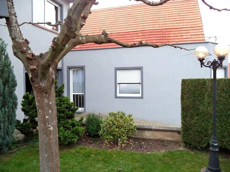 Studio totalement indépendant - Obermodern-Zutzendorf - Appartamento