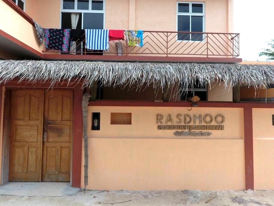 Rasdhoo Island Inn Beachfront - Rasdhoo - Lägenhet