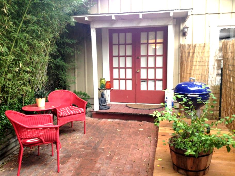 Cozy bungalow - San Antonio - Dom
