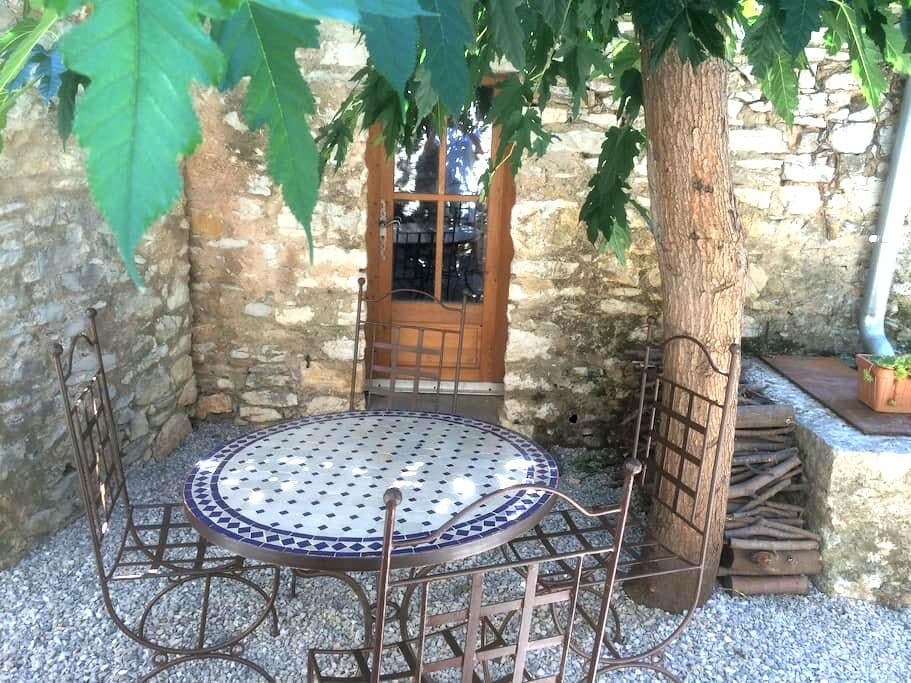 Studio in medieval village - Viols-le-Fort - Huis
