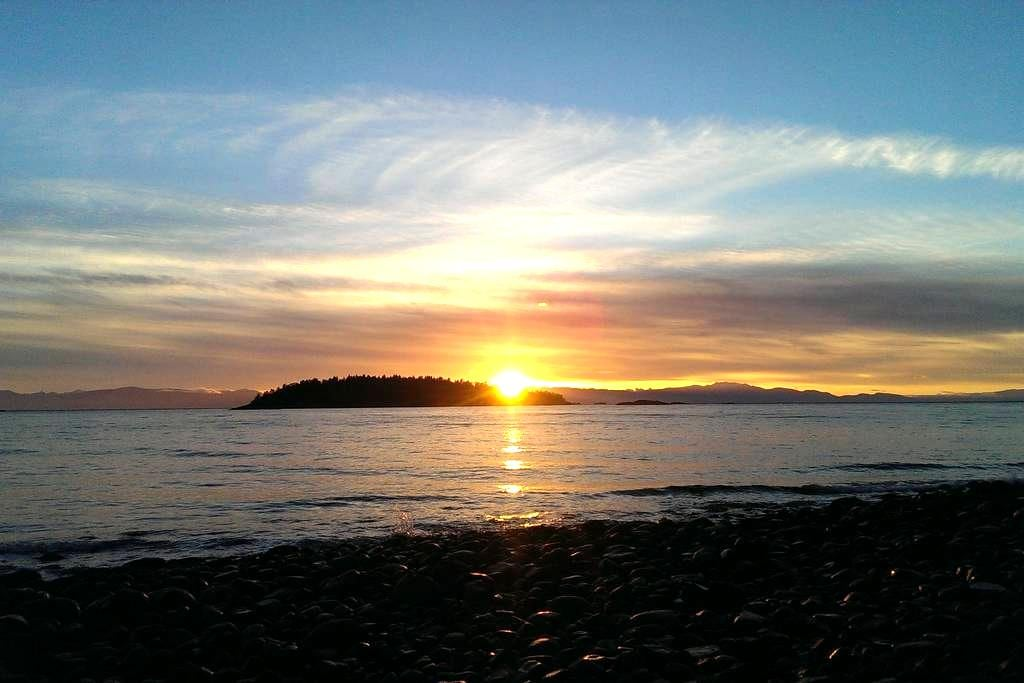 Home by the Sea - Sechelt - Other