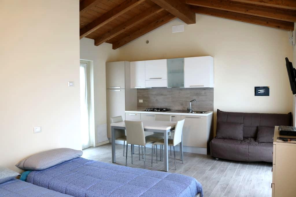 Miniappartamenti nel verde - Ferriere - Huoneisto