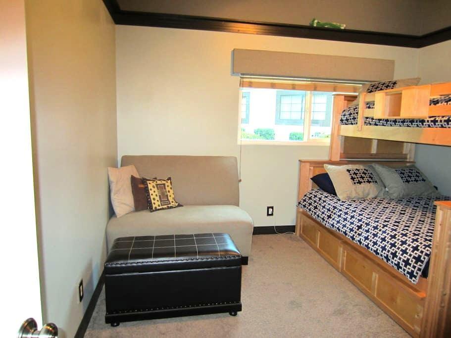 Private room in San Dimas - San Dimas - Rumah