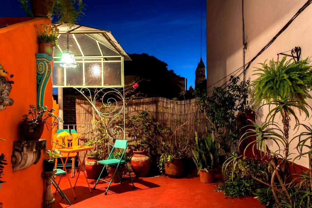 Quirky 1-Bdrm w/ Colorful Terrace - Buenos Aires - Byt
