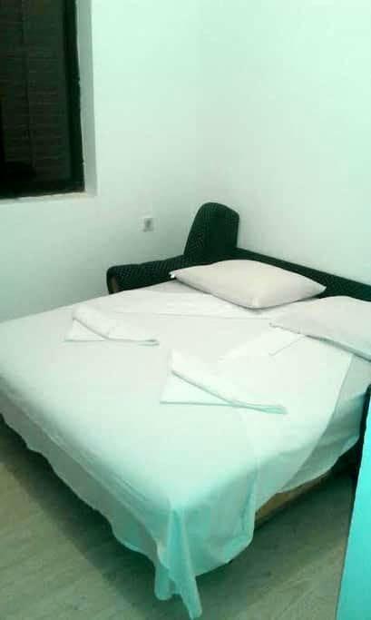 Rooms and apartment - Trebinje