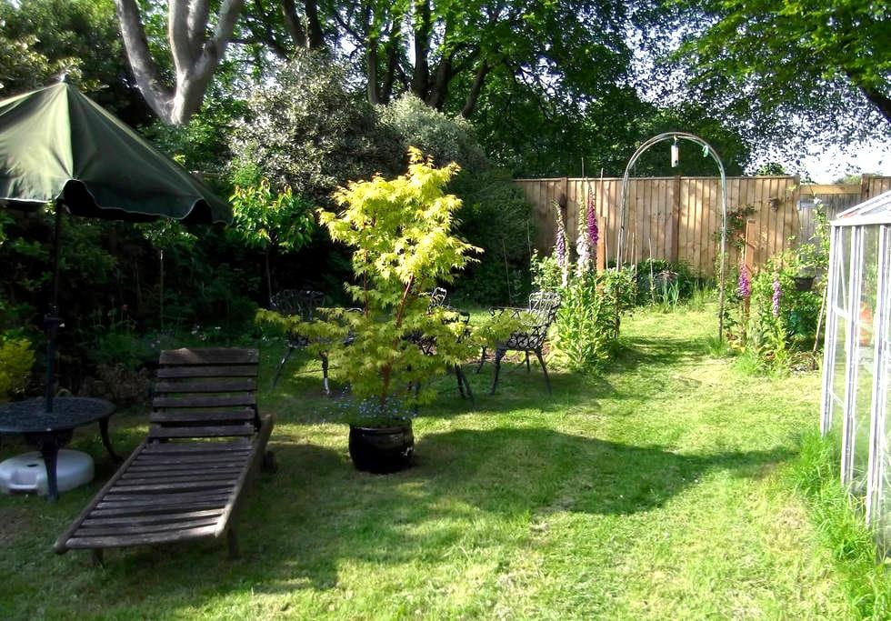 Castle view, 1 min from station, quiet house. - Totnes