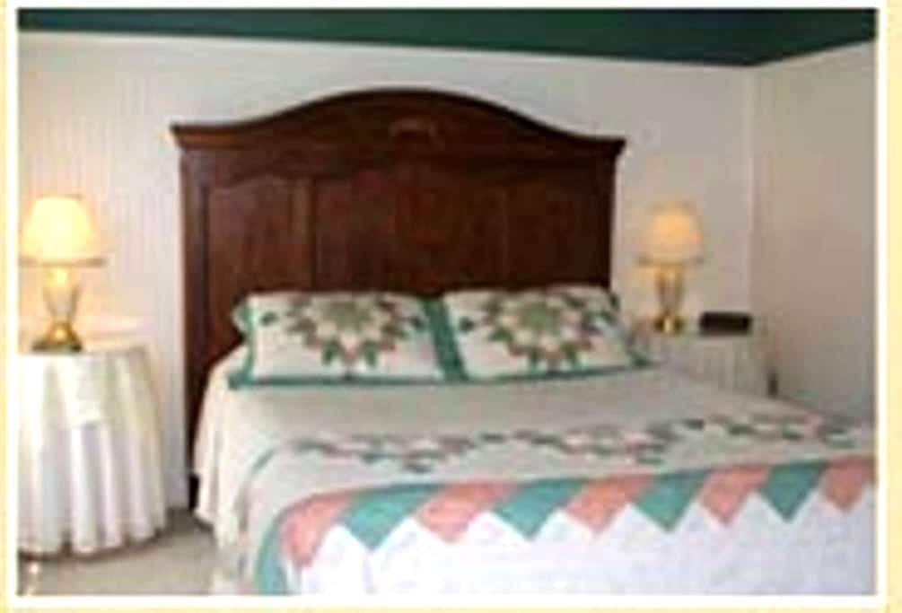 Standard Room with Private Bath - Intervale - Bed & Breakfast